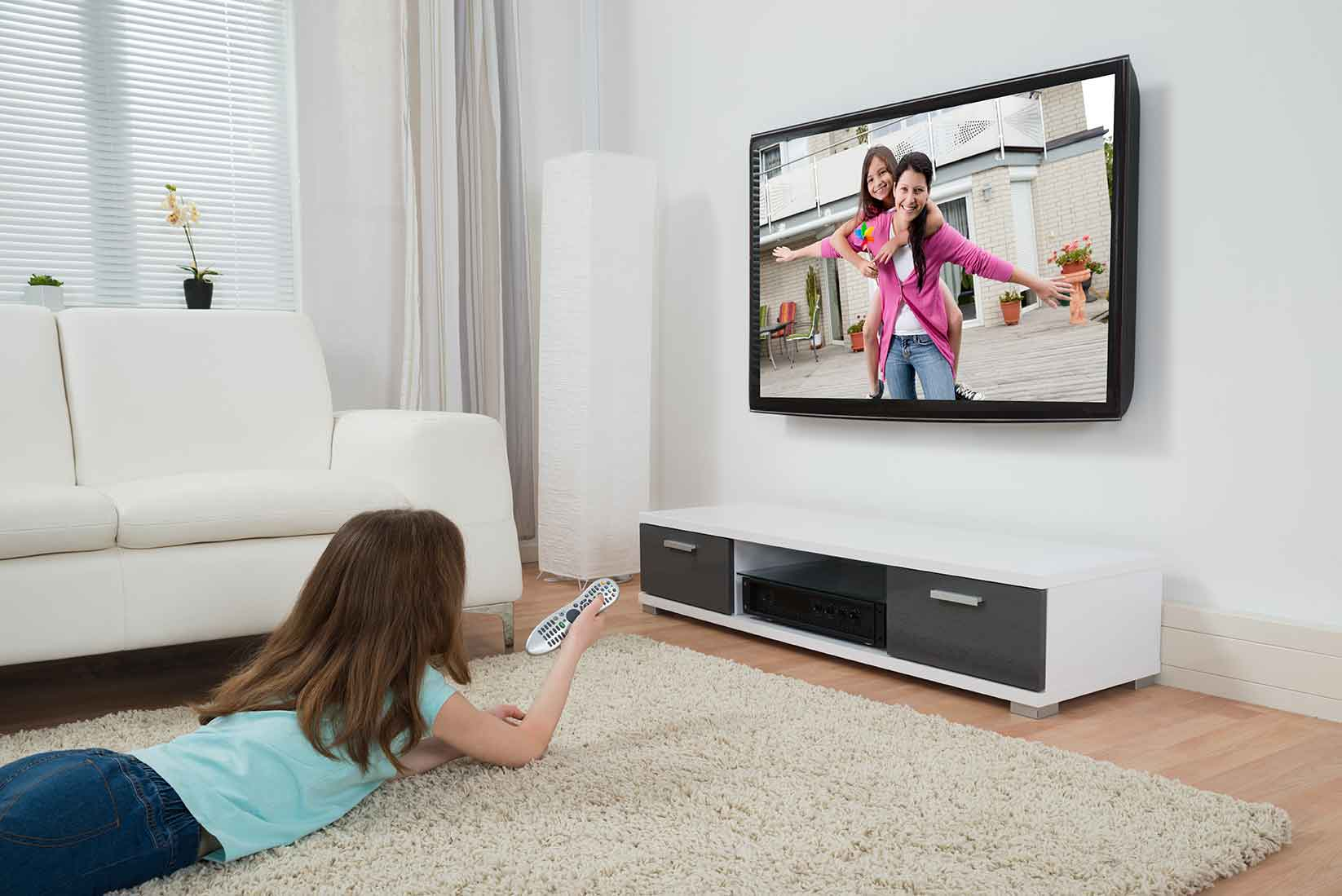 tvs effect on girls Television has the potential to generate both positive and negative effects, and  many  that boys may be more susceptible than girls to television violence (25.