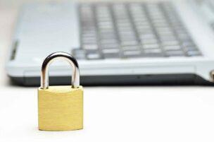 セキュリティソフトが無料のネット回線を申し込んでデバイスを守る